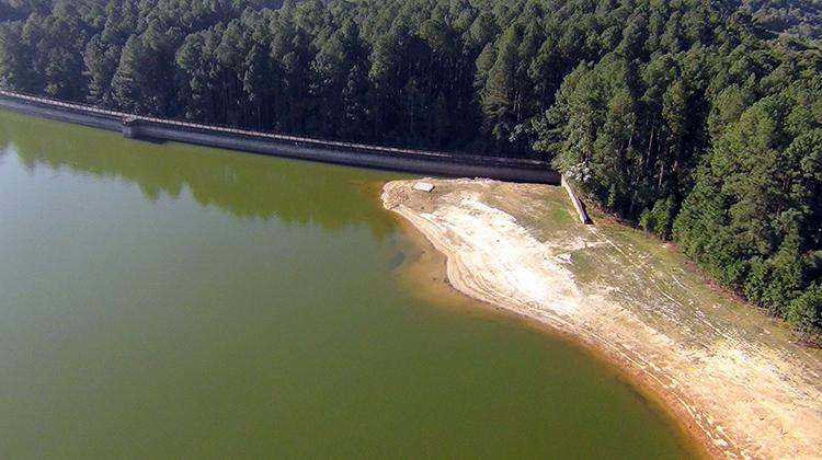 Mesmo com chuvas, represas que abastecem a região seguem com níveis abaixo de 50%